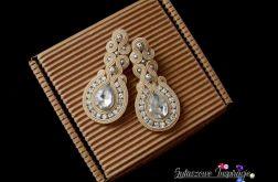 Beżowo srebrne kolczyki, biżuteria do pracy