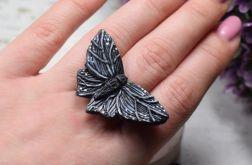 """Duży pierścionek """"czarny motyl"""" regulowany"""