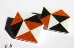 Geometryczne kolczyki z filcu w odcieniach brązu
