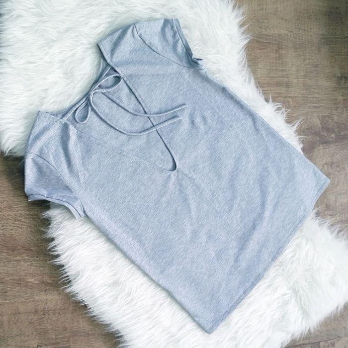 Koszulka z dekoltem na plecach IVON-PK06-S