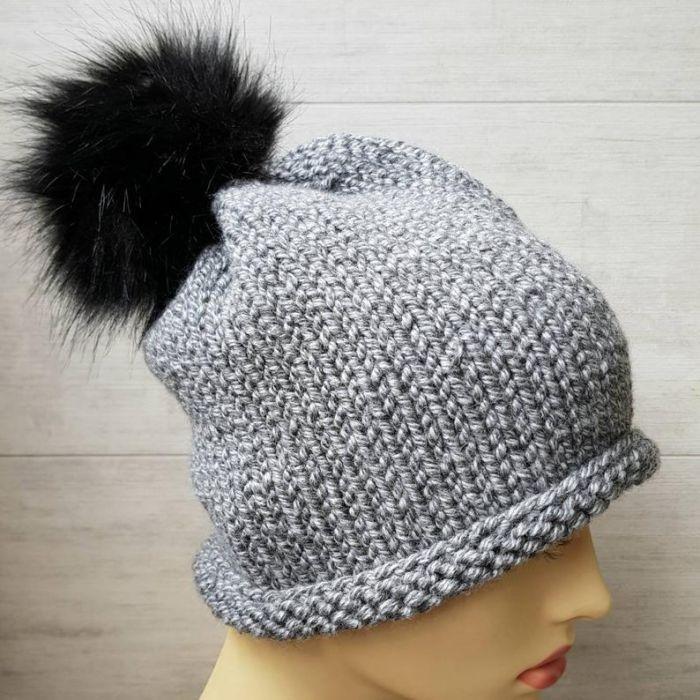 Klasyczna czapka z pomponem - czapka unisex