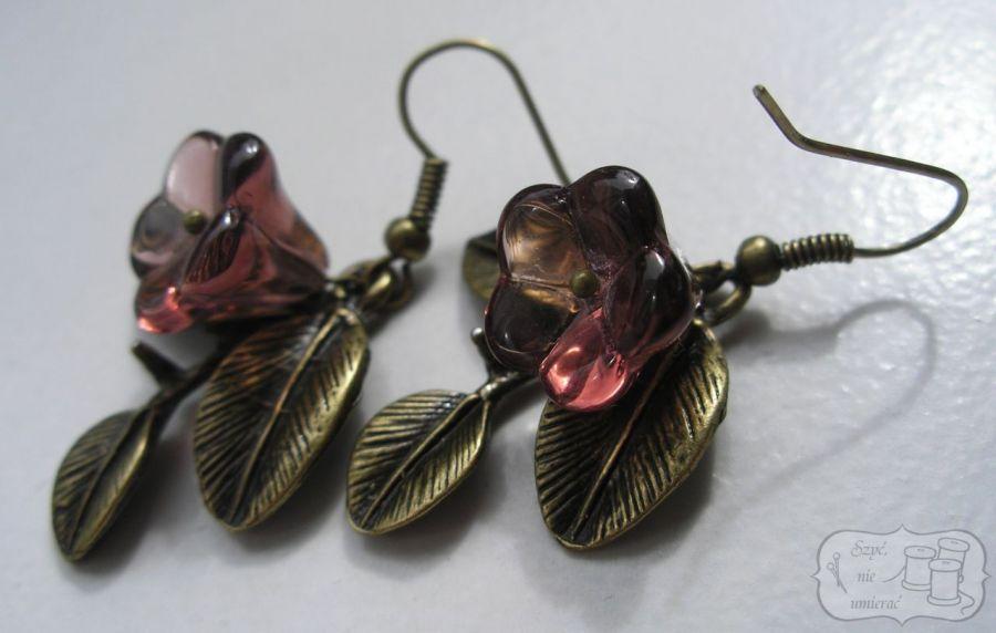 Oryginalne kolczyki z kwiatami