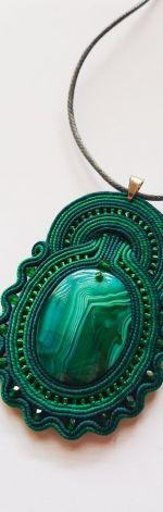 Zielony wisior z agatem