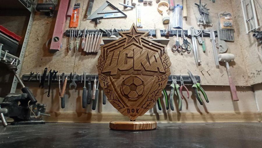 Statuetka inspirowana logo klubu piłkarskiego