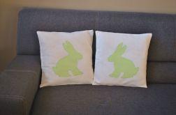 Dwie poszewki z zielonym królikiem