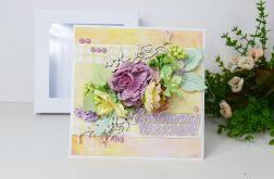 Kartka z fioletowymi kwiatami