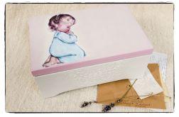 Modląca się dziewczynka 30x20 kufer, Chrzest