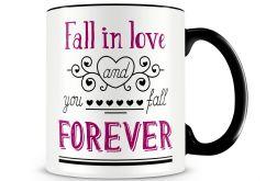 Fall in love forever - ceramiczny kubek z nadrukiem dla zakochanych