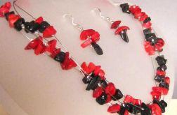 Czerwono-czarny! Korale z korala:)
