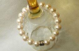 69. Bransoleta z pereł szklanych 10mm