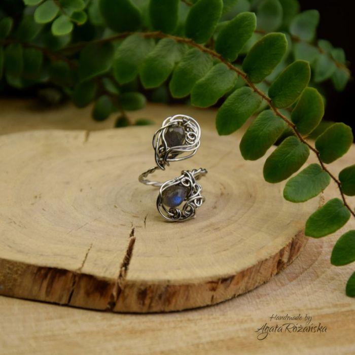 Regulowany pierścionek niebieski labradoryt - Wykonany w całości ze stali chirurgicznej