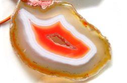 Pomarańczowo biały plaster agatu z druzą