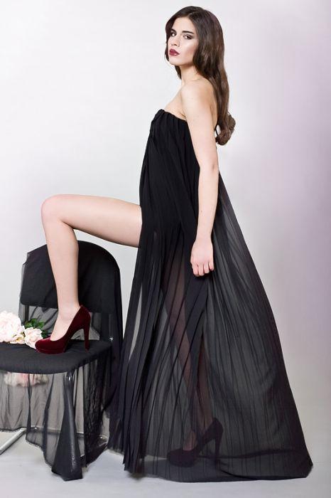 Plisowana suknia wieczorowa