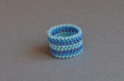 Pierścionek koralikowy niebieski 2