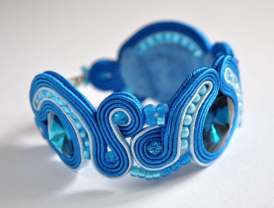 Bransoletka niebieska ze szklanymi kaboszonam
