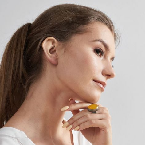 Vera srebrny klasyczny pierścionek z żółtym a
