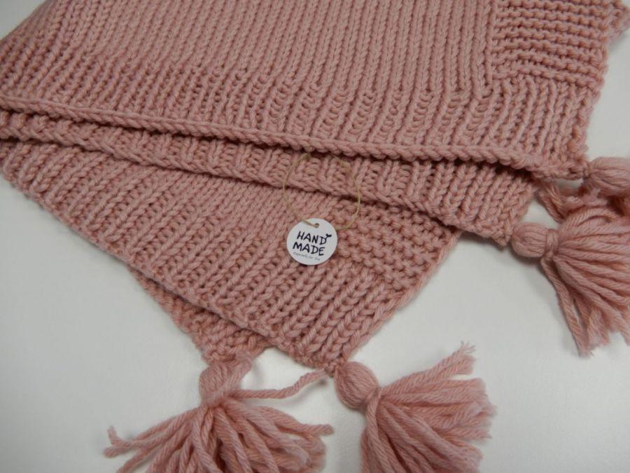 Ręcznie wykonany na drutach kocyk dziecięcy -