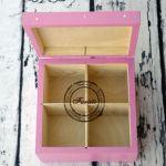 pudełko z czterema przegródkami różowe