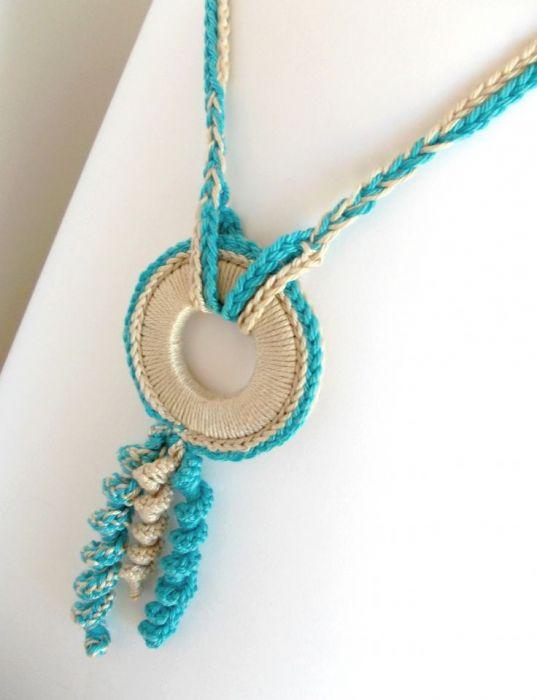 Naszyjnik szydełkowy boho lazurowy błękit i krem -