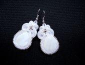 Ślubne Kolczyki Sutasz z masą perłową białe
