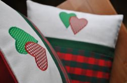 Poszewki świąteczne z aplikacją serduszek