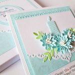 Kartka PAMIĄTKA CHRZTU ze świecą #15 - Biało-niebieska kartka na Chrzest w pudełku
