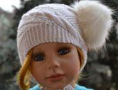 Unikalna czapeczka w kolorze naturalnym z pomponem ;o)