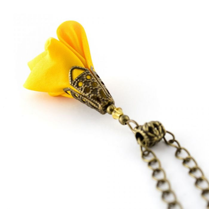 Wisiorek z tkaniny żółty