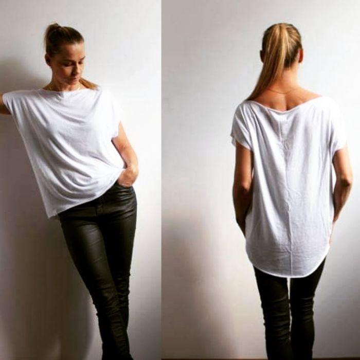 Lejąca się,zwiewna bluzka biel