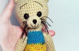 Kot w pasiastym sweterku 2