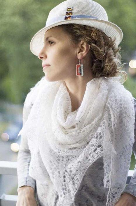 Biała ciepła duża chusta
