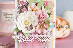Kartka urodzinowa z kwiatami i tiulem