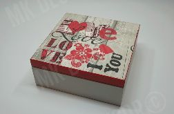 Drewniana szkatułka kwadratowa LOVE