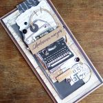 Męska z maszyną do pisania - Z góry
