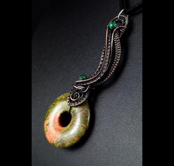 Unakit, miedziany wisior z unakitem - Unakit, Miedziany wisior z unakitem i malachitem, ręcznie wykonany, prezent dla niej prezent dla mamy prezent urodzinowy biżuteria autorska