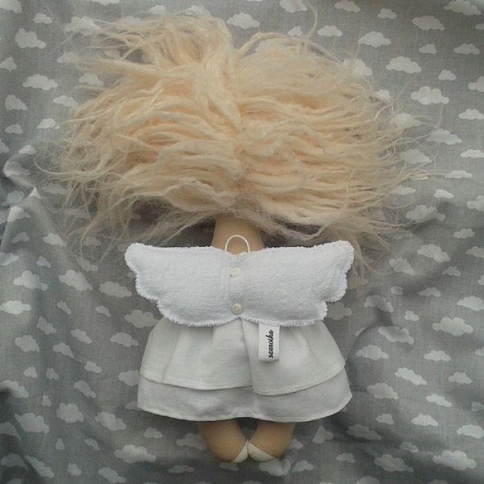 ANIOŁEK lalka - dekoracja tekstylna, OOAK/29 - tak wyglądam z tyłu