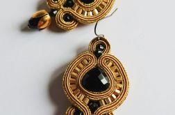 Złote kolczyki z czarnymi kryształkami