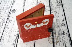 pudełko na klucze czerwone z kotkami