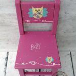 różowe krzesełko z oparciem sowa - mebelki dla dziecka ręcznie malowane