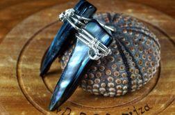 Masa perłowa, srebrne kolczyki granatowe
