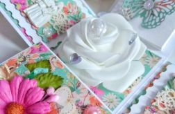 Exploding box, ślub, biała róż.