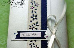 Z delikatnymi kwiatuszkami - kartka ślubna