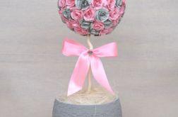 Kula z różowych i szarych róż
