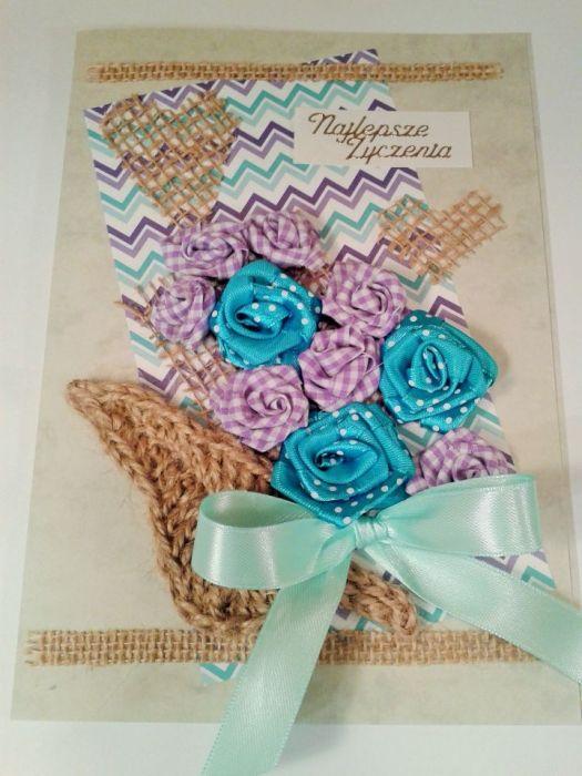 Kartka z różami niebieskimi i liliowymi
