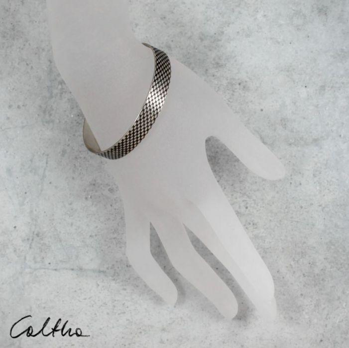 Rybia łuska - metalowa bransoletka 1 cm 210422-03 - Minimalistyczna biżuteria