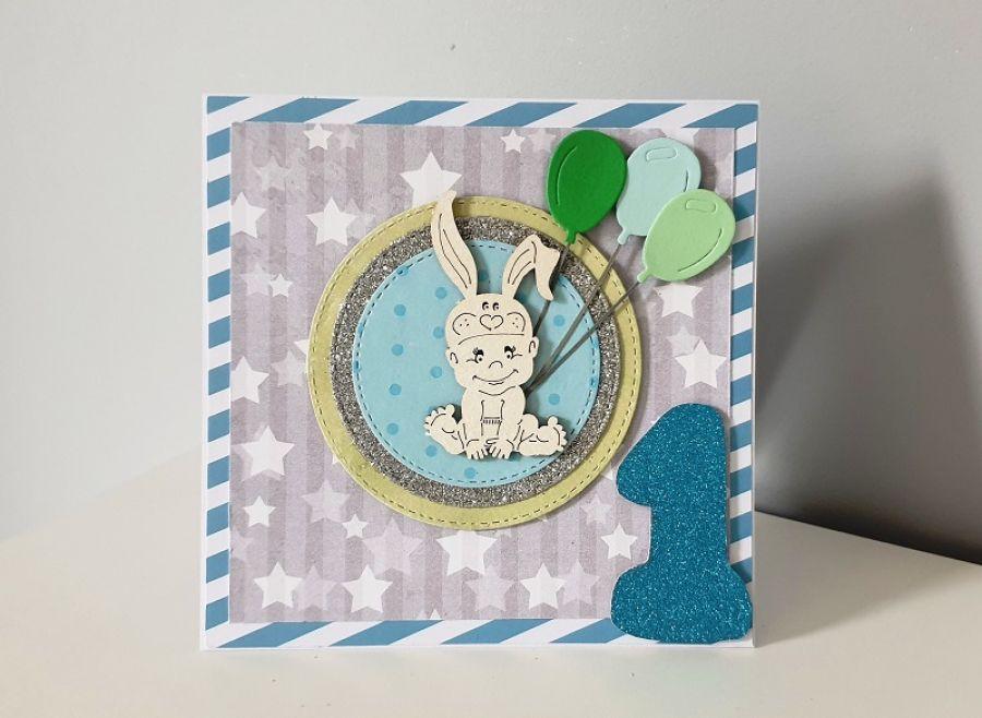 Kartka na Roczek niebieska królik baloniki