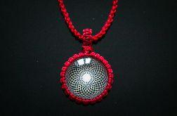 Czerwony Wisiorek z Makramy Święta Geometria
