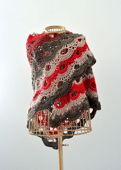 Ciepła chusta ombre, beż-szarości-czerwień