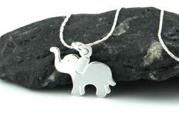 Srebrny naszyjnik ze słoniem