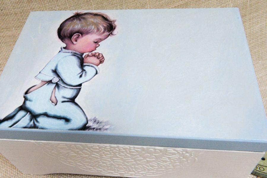Modlący się chłopiec 30x20 kufer, Chrzest
